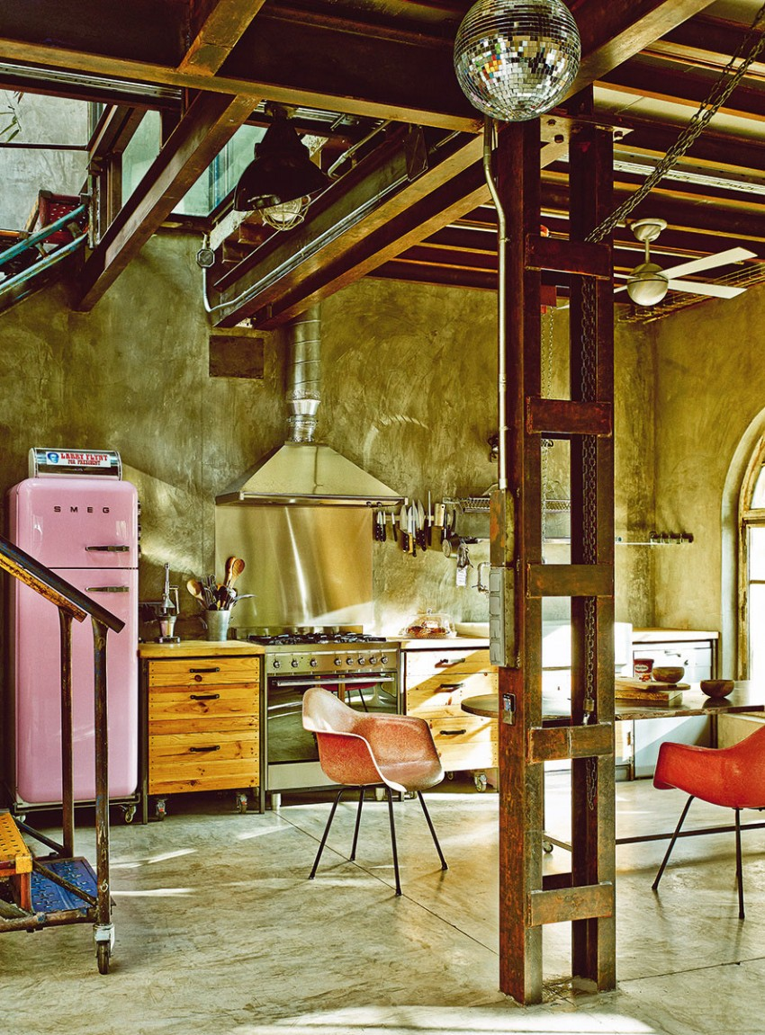 The-Colorful-Vintage-Industrial-Style-Home-of-Gustavo-Salmerón-in-Madrid-homesthetics-3