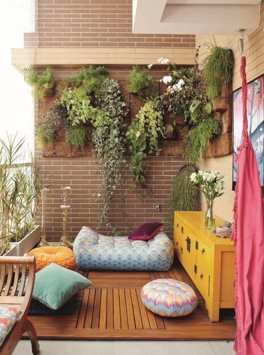 Jastucici na terasi