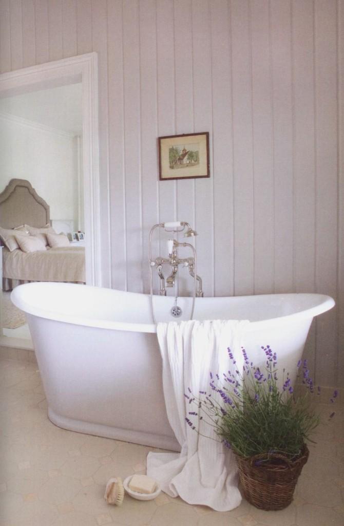 kupatilo u lila tonovima